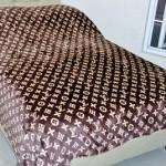 Lv scrofa coklat